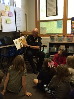 Granville Police Chief Reads to GES 2nd Graders