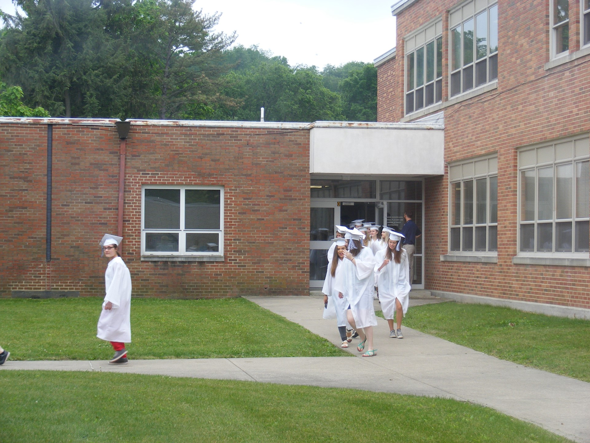 Class of 2017 Graduate March at GES