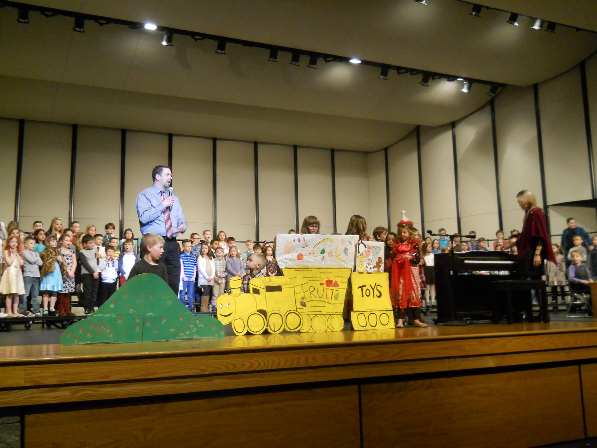 1st Grade Concert: Little Engine That Could