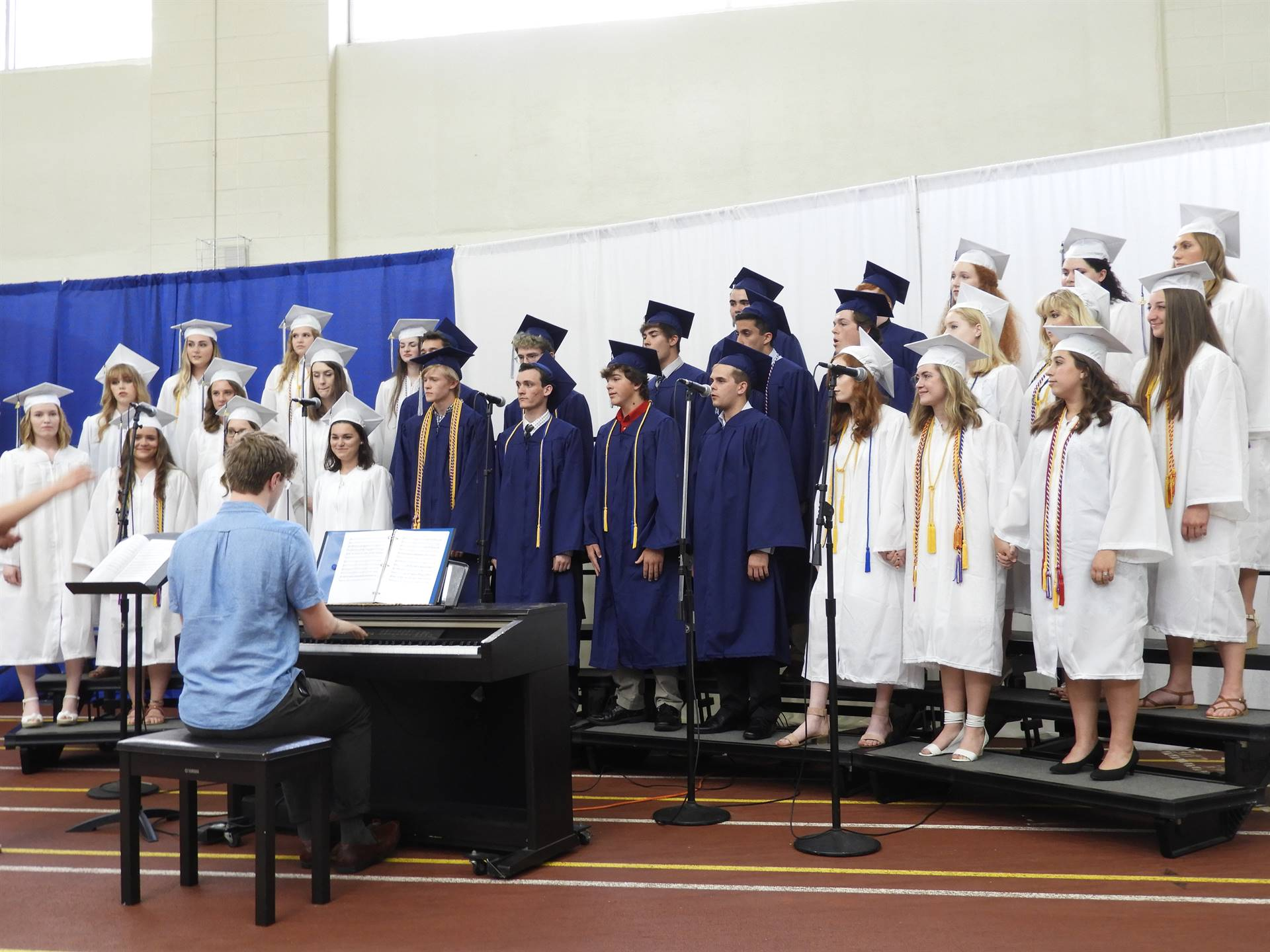 Senior Choir Performs 'Forever Young'