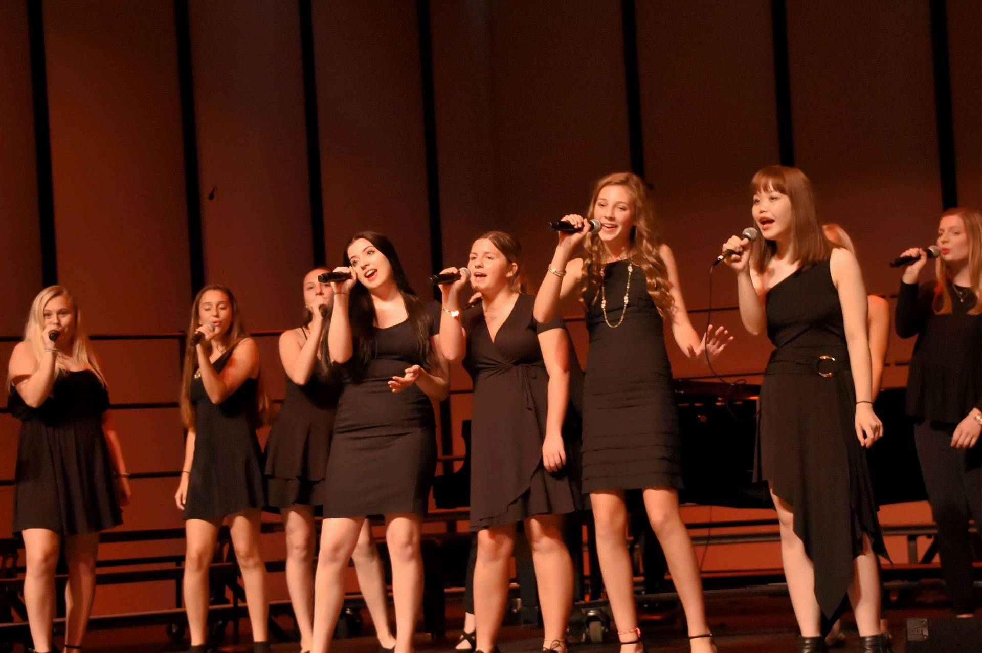 GHS Girls Choir performing
