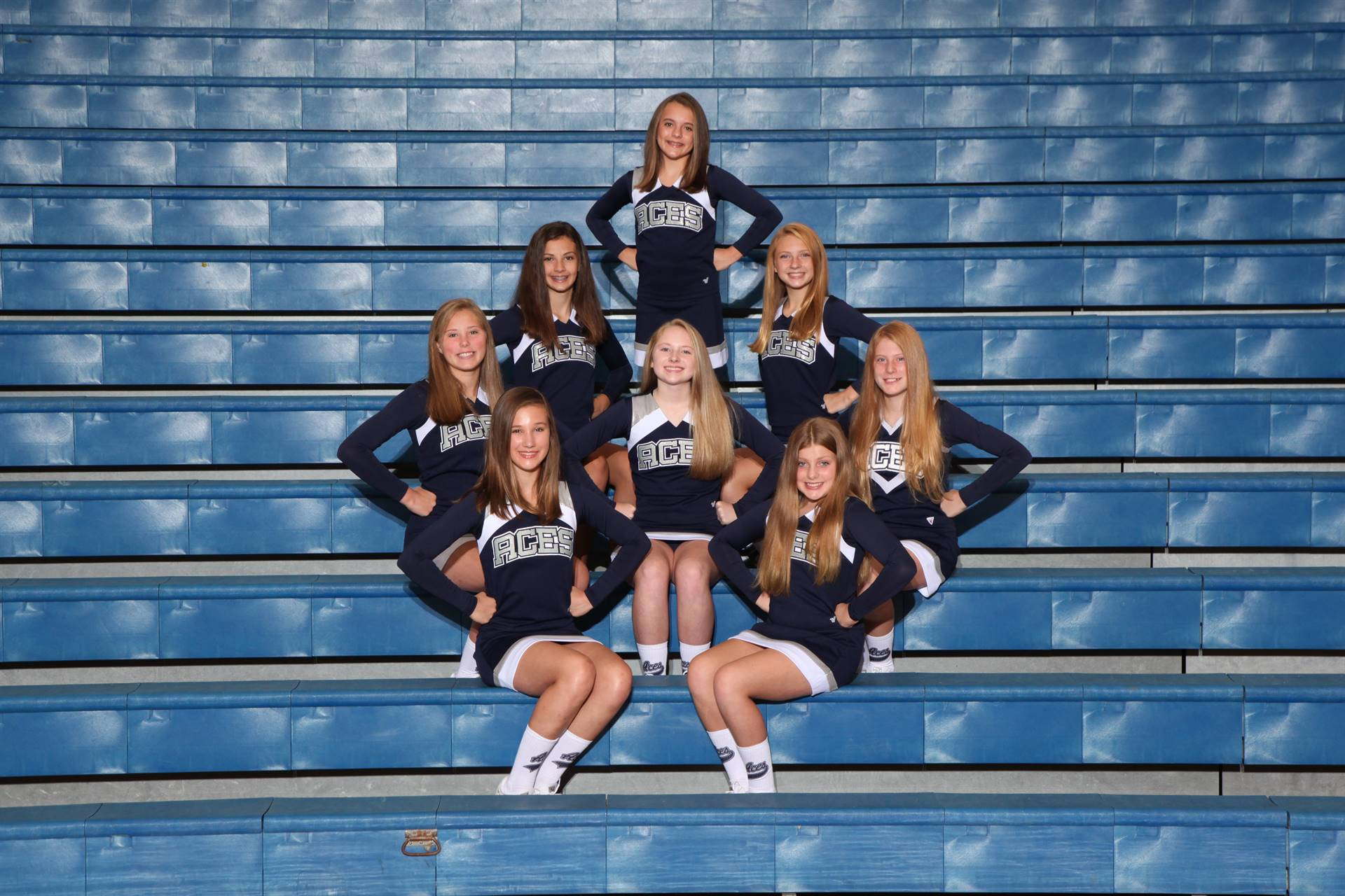 7th Grade Football Cheerleaders